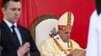 Papa reza no memorial a madre Teresa de Calcutá e pede que interceda pelos pobres