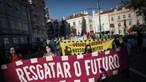 Cerca de 150 pessoas manifestam-se em Lisboa com apelo ao Governo para 'resgatar o futuro'