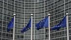 UE enfrenta campanhas de 'difamação' de vacinas orquestradas em Moscovo e Pequim, revela relatório